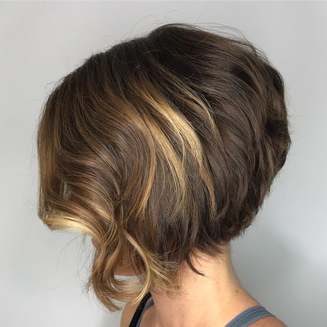 Stacked Bob with Waves