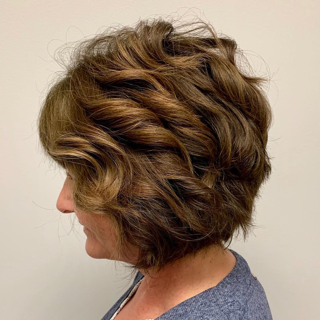 Textured Wavy Bob for Thick Hair