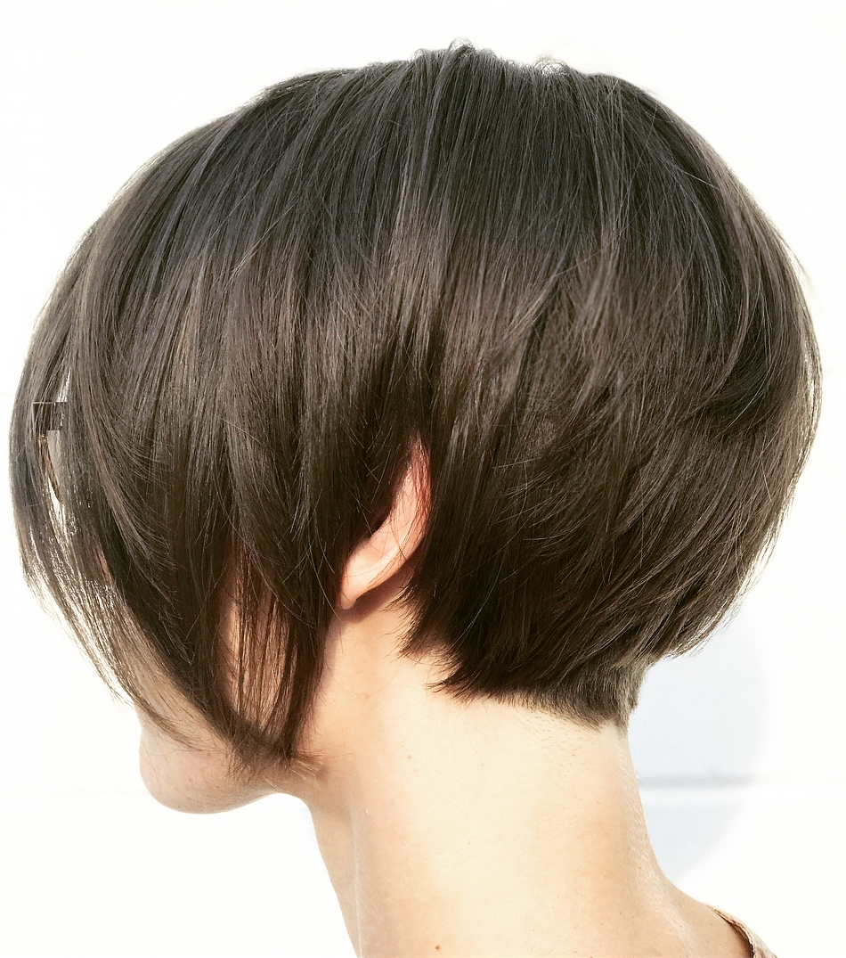 Short Inverted Bob for Women with Thick Hair
